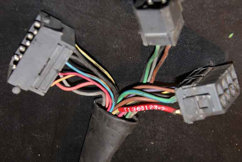 Volvo 1987 760 6cyl                                     engine wire harness PN 1363123.