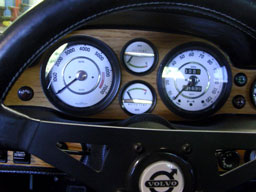 Volvo 1800                       Smiths gauge faces. Dave's Volvo Page.