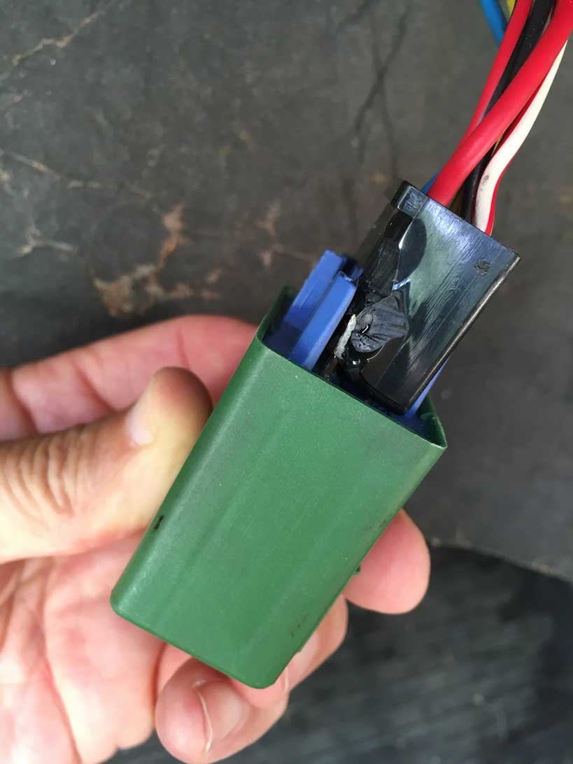 Volvo Harness Parts Headlamp Wire A Customer Found This Damage When Inspecting His 240 Fuel Pump Relay Is Common Occurrence It Does Not Happen Because Of Too Much Current At That